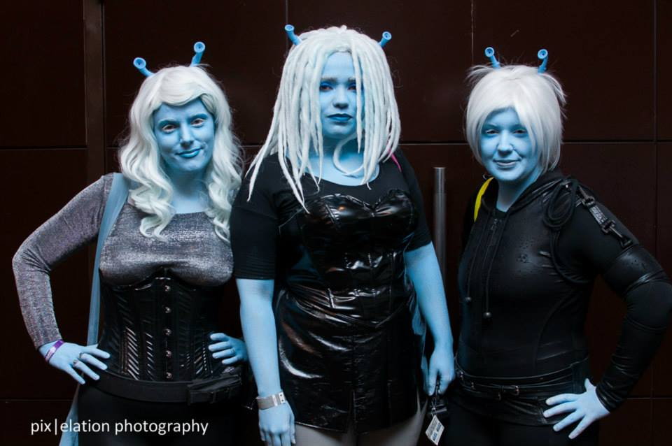 Vynni, Lissan, and Ell at Star Trek Cherry Hill. Photo by Pix|elation Photography.